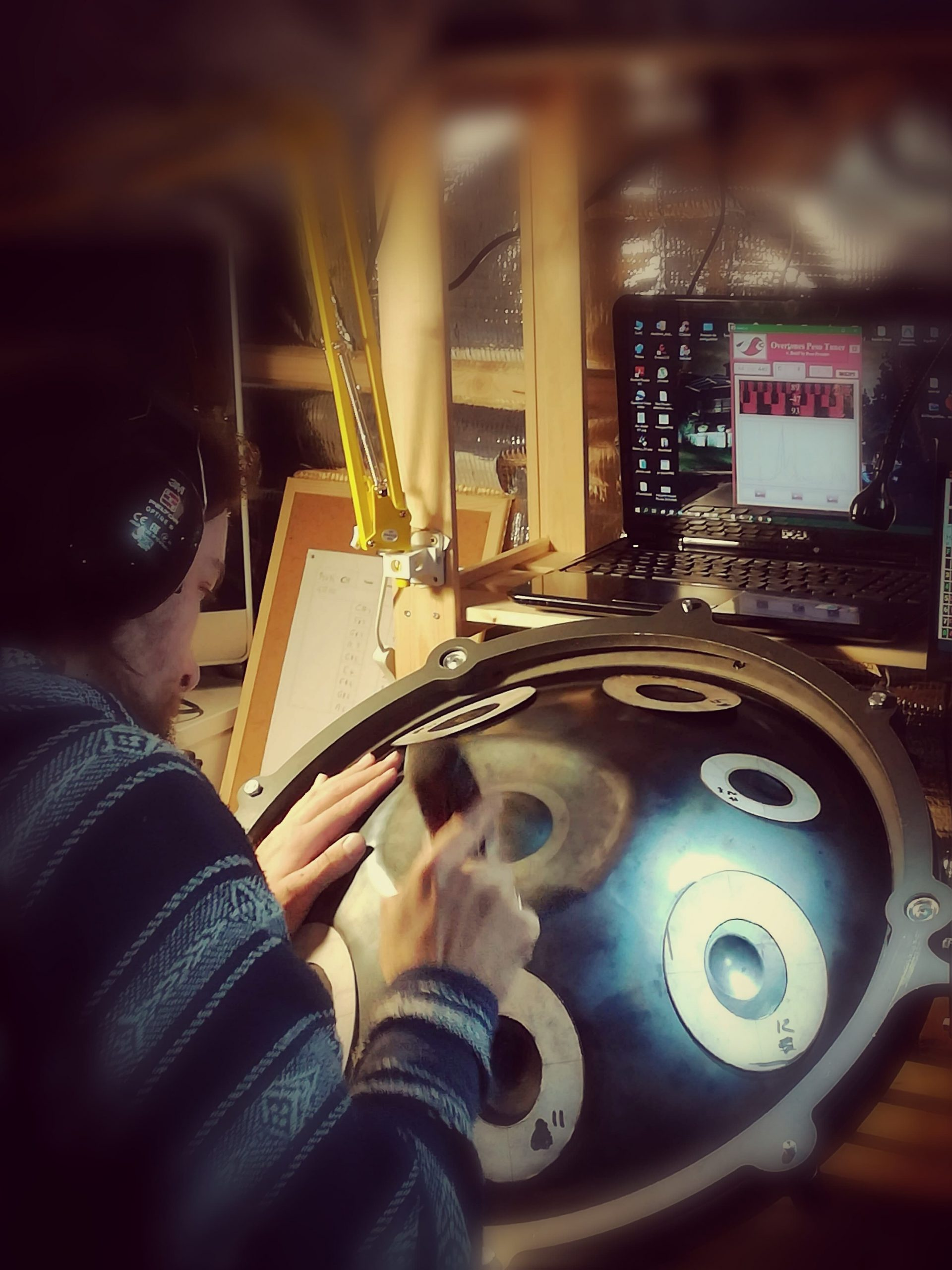 """Le fabricant des Tympan© : Handpan, Pantam, Sculpture Sonore, en pleine session de """"Fine Tuning"""""""